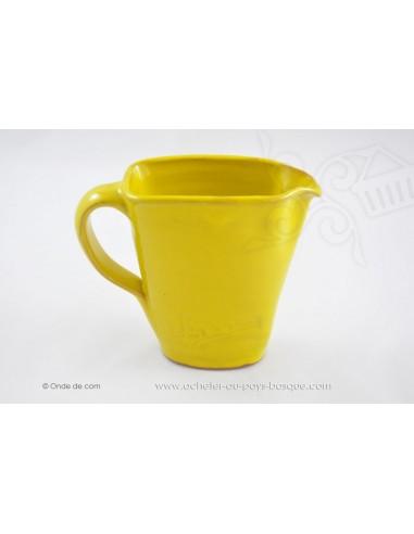 Pichet jaune en céramique - Jean de la Terre - Ekibidea Cambo les Bains