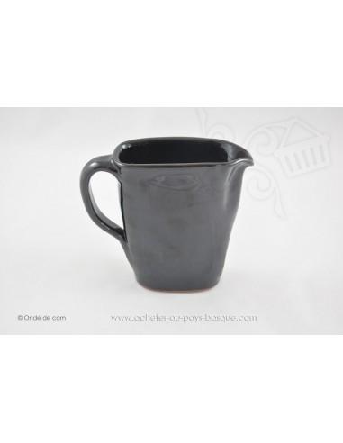 Pichet noir en céramique - Jean de la Terre - Ekibidea Cambo les Bains