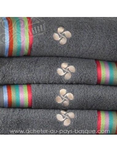 Serviette éponge gris Croix Basque 100% coton salle de bain - douche - Dussau linge basque Saint Jean de Luz