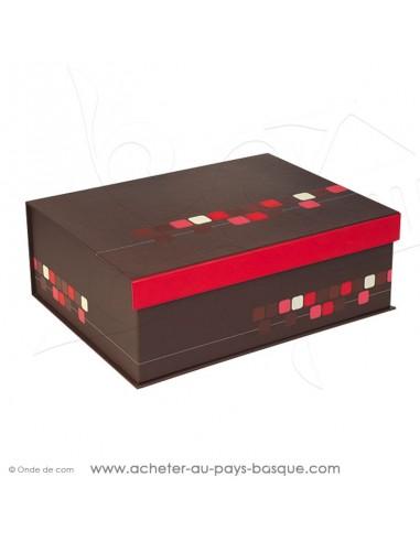 Achetez et composez votre coffret cadeau carton rectangulaire ferme aux motifs  pixels et fermeture aimantée