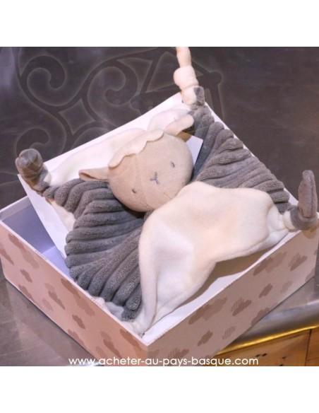 Cadeau de naissance doudou mouton