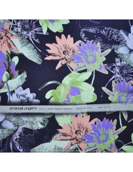 Tissu Italien Haute Couture Ungaro 100 % Soie - magnifique crêpe de Chine - Tissus Habillement Docks Negresse Biarritz en vente