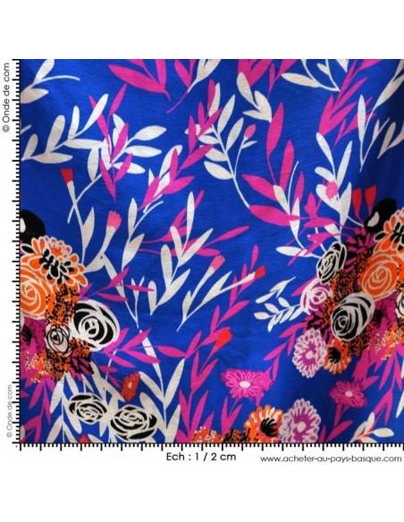 Tissu Haute Couture Ungaro 100 % Soie motif floral bouquet roses sur fond bleu mesure Tissus Habillement Docks Biarritz vente