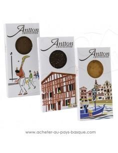 Acheter lot 3 Tablettes Chocolat Basque blanc, lait et noir au piment d'Espelette vente en ligne  Antton chocolatier du village
