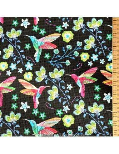 Tissu simili cuir noir fleuri effet brodé colibri - Ameublement recouvrement - Tissus des Docks de la Negresse Biarritz