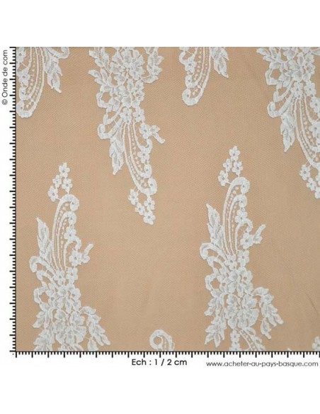 Tulle Brodé, tissu de mariage made in France - Tissu Habillement  - Tissus des Docks de la Negresse - Biarritz