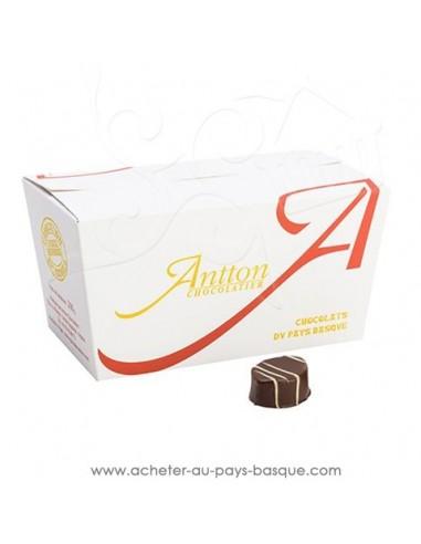 Acheter ou offrir cadeau traditionnel Ballotin de chocolats Basques  assortiment sélection noir - Antton Espelette