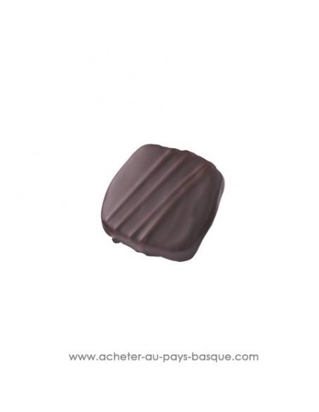 Ganache chocolat noir pur beurre de cacao corsé à 70%