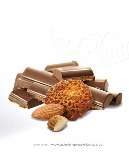 zoom tablette Chocolat lait et tuiles amande - epicerie sucrée en ligne - Rafa Gorrotxategi maitre chocolatier pays basque