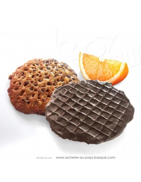 zoom tuiles chocolat orange spécialité de Tolosa Espagne gamme gourmet - Rafa Gorrotxategi maitre chocolatier basque