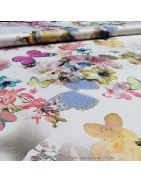 zoom Satin de coton légèrement strech blanc motifs floraux fleurs papillons multicolore - tissus habillement au mètre mercerie
